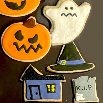 assorted-halloween-and-fall-royal-iced-cookies