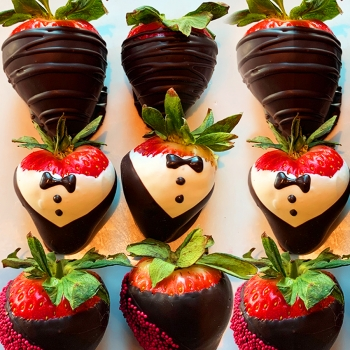 chocolate_dipped_strawberry